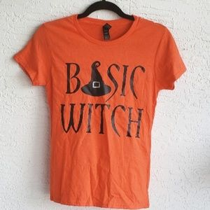 NWT Basic Witch 🎃 Halloween T-Shirt